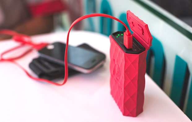 20141013110512-kodiak-power-bank-red-diner